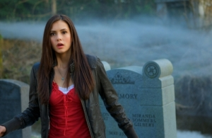 vampire-diaries-elena-grave1
