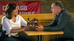 svu-chicago-pd-crossover-benson-voight